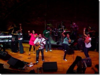 Israel Houghton leading worship at NWLC 2008